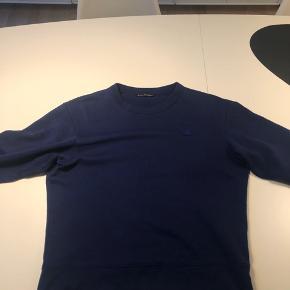 Lækker blå Acne sweatshirt til kun 500,-