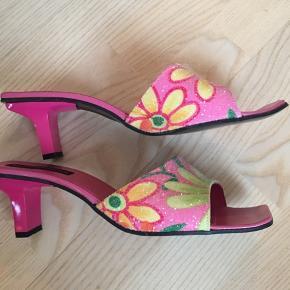 Sælger disse yderst smukke Ilse Jacobsen sko, da jeg kun har fået dem brugt en gang