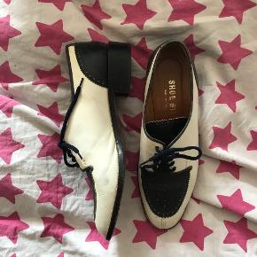 About Vintage sko & støvler