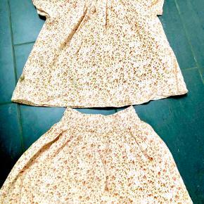 Helt nyt sæt fra pompdelux med nederdel og top, som min datter ikke har villet gå med. Derfor aldrig brugt.