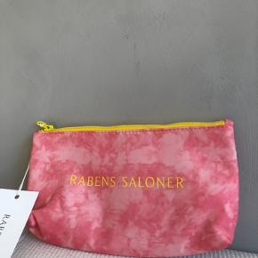 Rabens Saloner anden accessory