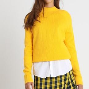 Ny, med prismærke på Nederdelen er også ny, og ikke brugt, str S