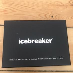 Icebreaker spil.   Sjovt kortspil, hvor man kan lære sjove pg intime sandheder om ens partner, date eller venner.