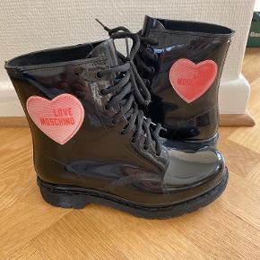 Love Moschino andre sko & støvler