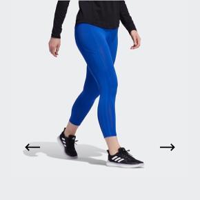 Adidas X Universal standard 3stripes 7/8 tights i farven Royal Blue  Med side lommer  Str.XS Sendes mod betaling
