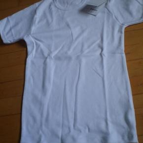 Varetype: T-shirt NY Størrelse: S Farve: Hvid Oprindelig købspris: 230 kr.