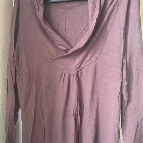 Fed bluse Flot krave foran og tryk på ryggen  #30dayssellout
