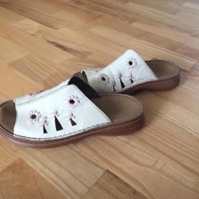 Rieker sandal str 37, i meget pæn stand. Mp 50 kr pp med dao🌺