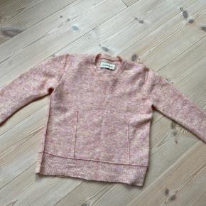 Denne smukke Balancia bluse sælges, da jeg desværre ikke har fået den brugt.