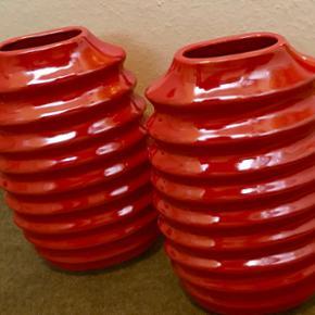 Flotte røde vaser 36 cm høj 21cm bred