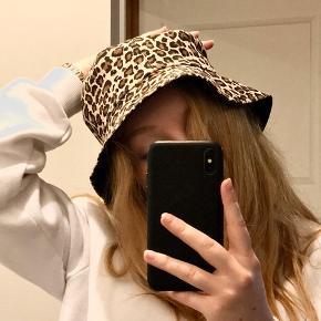 ASOS hat & hue