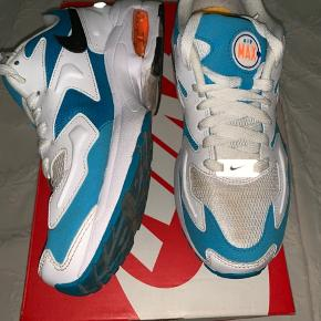 Air max 2 light, Can be cleaned, comes with 📦 size 38