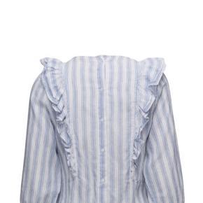 Fineste bluse med knapper fra Custommade.