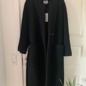 Sælger min Ganni jakke, da ikke får den brugt.