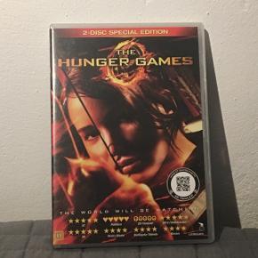 Jeg sælger de tre første The Hunger Games film til 25kr. Pr stk eller 65 kr for dem alle samlet. 😀  1. The Hunger Games 2. The Hunger Games: Catching Fire 3. The Hunger Games: Mocking Jay part 1