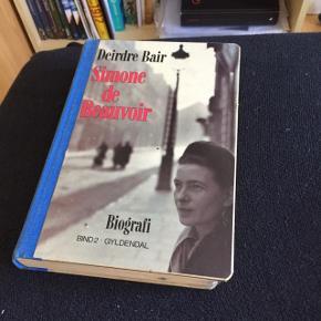 Biografi om Simone de Beauvoir.  - spørg gerne ind til prisen og få mångderabat, hvis du skal have noget andet med i købet!