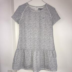 Sælger Tommy Hilfiger kjoleStr. 152  Næsten som ny