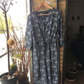 Super fin tunika kjole fra object Ny købt juli 2018 ny vare er desværre for lille 🌺