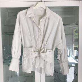 Hvid skjorte i str 36 💛