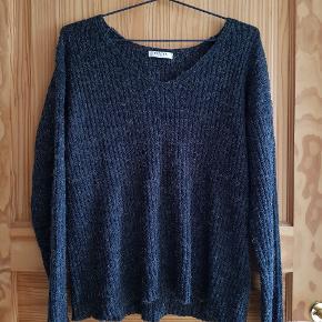 Fin sweater fra Pieces med v-udskæring