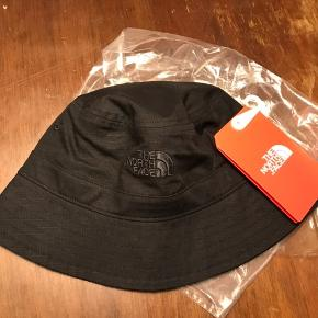North face bucket hat bøllehat str S/M
