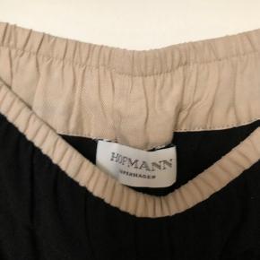 Sælger disse søde bukser med lyserøde striber fra Hofmann!💗 Skriv for flere billeder eller spørgsmål💖