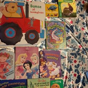 Børne bøger med tykke sider sælges forskellige priser (: skriv ved intresse er fra ikke ryger hjem (: