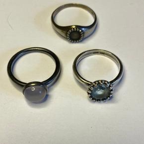Sølvring fra Carre med akvamarin str. 52 - brugt en enkelt gang - mp 350 pp Sølvring fra Carre uden sten - str. 53 - brugt et par gange - mp 100 pp Julie Sandlau ring med rosenkvartz - brugt en gang - str. 53 - mp 130 pp