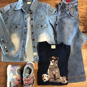Levis jeans 125kr pp