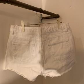 Nakd denim shorts. Fra ikke ryger hjem. Altid vasket med astma og allergi mærket vaskemiddel.