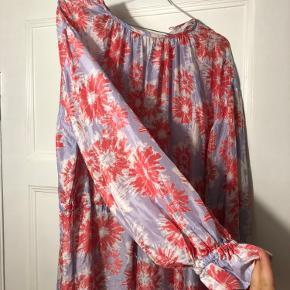Fin kjole   Brugt 2 gange!
