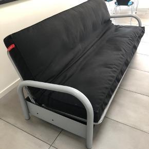 BYD! Rigtig fin sovesofa af mærket Innovation sælges. Er 120 cm bred når den er slået ud. Står i Esbjerg.