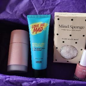 Helt nye produkter fra goodiebox der står på billederne hvad produkterne er.