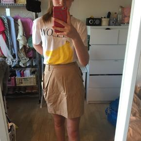 SNOB NEDERDEL🤍 Flot nederdel med lommer Jeg er 1.60 høj😊