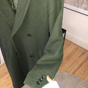Utrolig fin frakke som både kan passes af en xs og s 💗