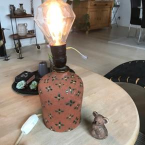Skøn gl keramik lampe sælges uden pære mp 175kr Randers nv af og til Århus Ålborg København Sender gerne på købers regning   Til salg på flere sider