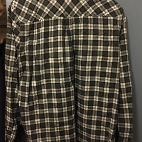#30dayssellout #carhartt #tern  Carhartt skjorte i str L  Kan også afhentes i Kbh