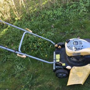 God solid plæneklipper af mærket Garden 139cc.