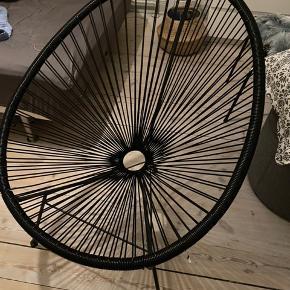 Sælger denne super fine stol, den har bare stået inde på et værelse✨ kan afhentes i Aalborg - kom gerne med et bud 🤩