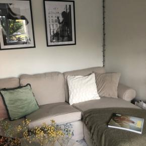 Sælger min 6 måneder gamle sofa, da jeg mangler plads. Den er i rigtig god stand og fejler intet.  Nypris: 3999kr
