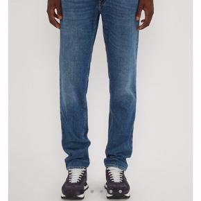 Acne north mid blue jeans str 33/32  180/90