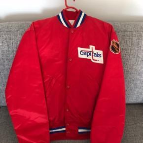 Starter jakke, very rare Washington capitals bomber jakke.90s,Size:L brugt 1-2 gange. Satin.