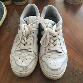Retro Adidas Archive Tennis Sneakers - Grøn og gule detaljer. Lidt slidte - derfor den gode pris