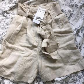 Super søde shorts fra h&m, aldrig brugt og stadig med pris i