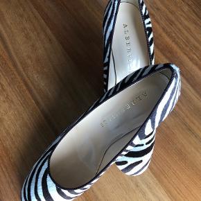 Alberville heels