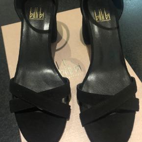 Højhælede sandaler fra Billi Bi kun brugt en enkelt gang.   Hælen måler ca. 7 cm.
