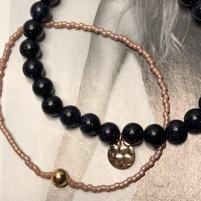 Smukt armbånd med blå goldstone 150.-  Tyndt rosa armbånd 75.-