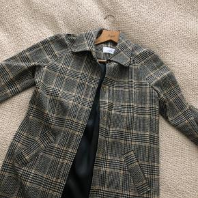 Lovechild checkered over shirt - coat. One button missing (3rd photo).