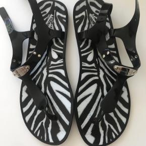 Kors by Michael Kors sandaler