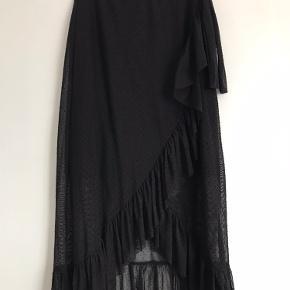 """Nederdel fra ONLY, med """"indbygget"""" underskørt"""